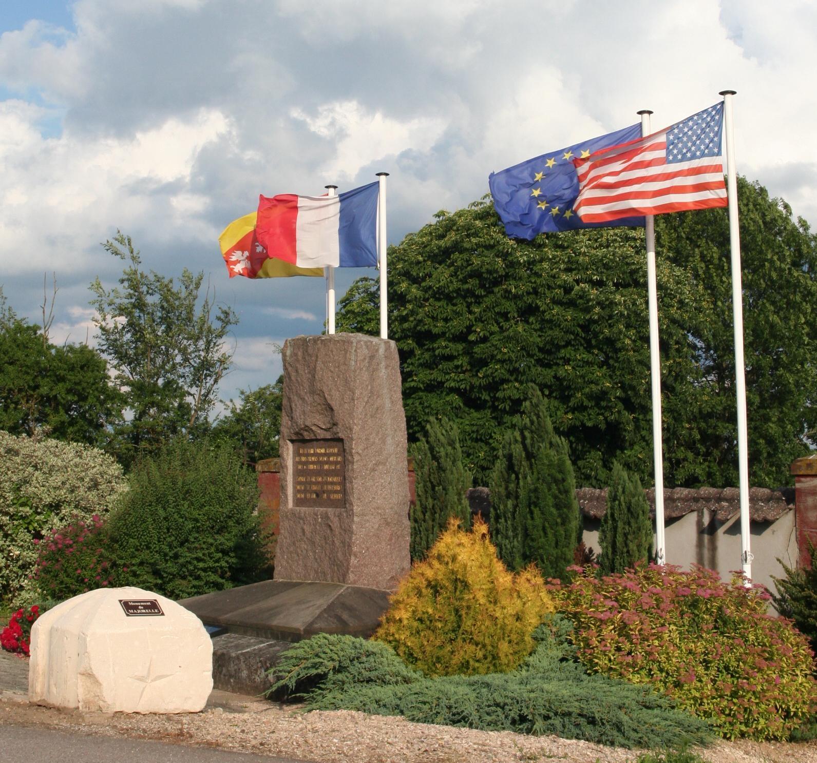 MONUMENT DE BATHELEMONT LES BEZAUMONT
