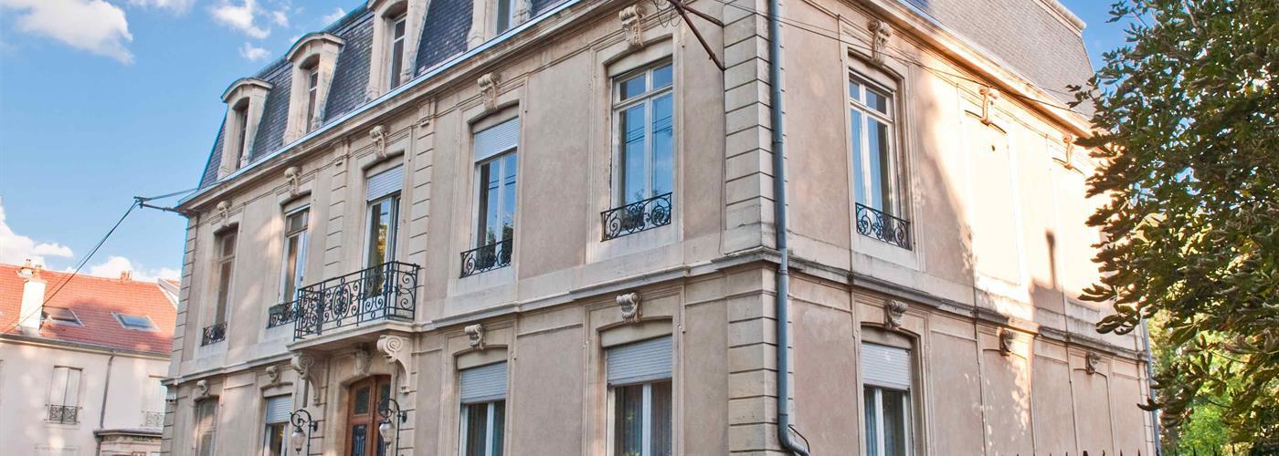 L'HOTEL PARTICULIER - L'APPARTEMENT DE PIERRE