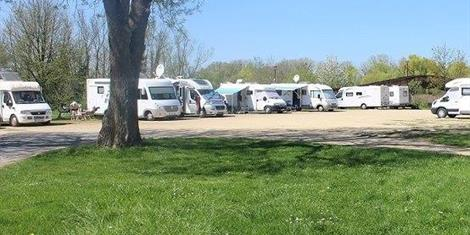 image - AIRE DE SERVICES ET DE STATIONNEMENT CAMPING-CARS