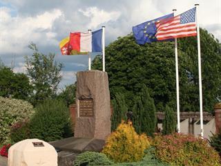 MONUMENT DE BATHELEMONT LES BAUZEMONT