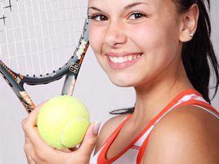 CLUB DE TENNIS