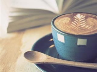 UN CAFÉ DES LIVRES