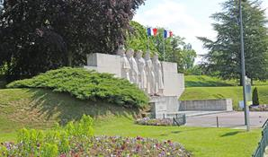WAR MEMORIAL OF THE CITIZENS OF VERDUN WHO DIED IN BOTH WORLD WARS