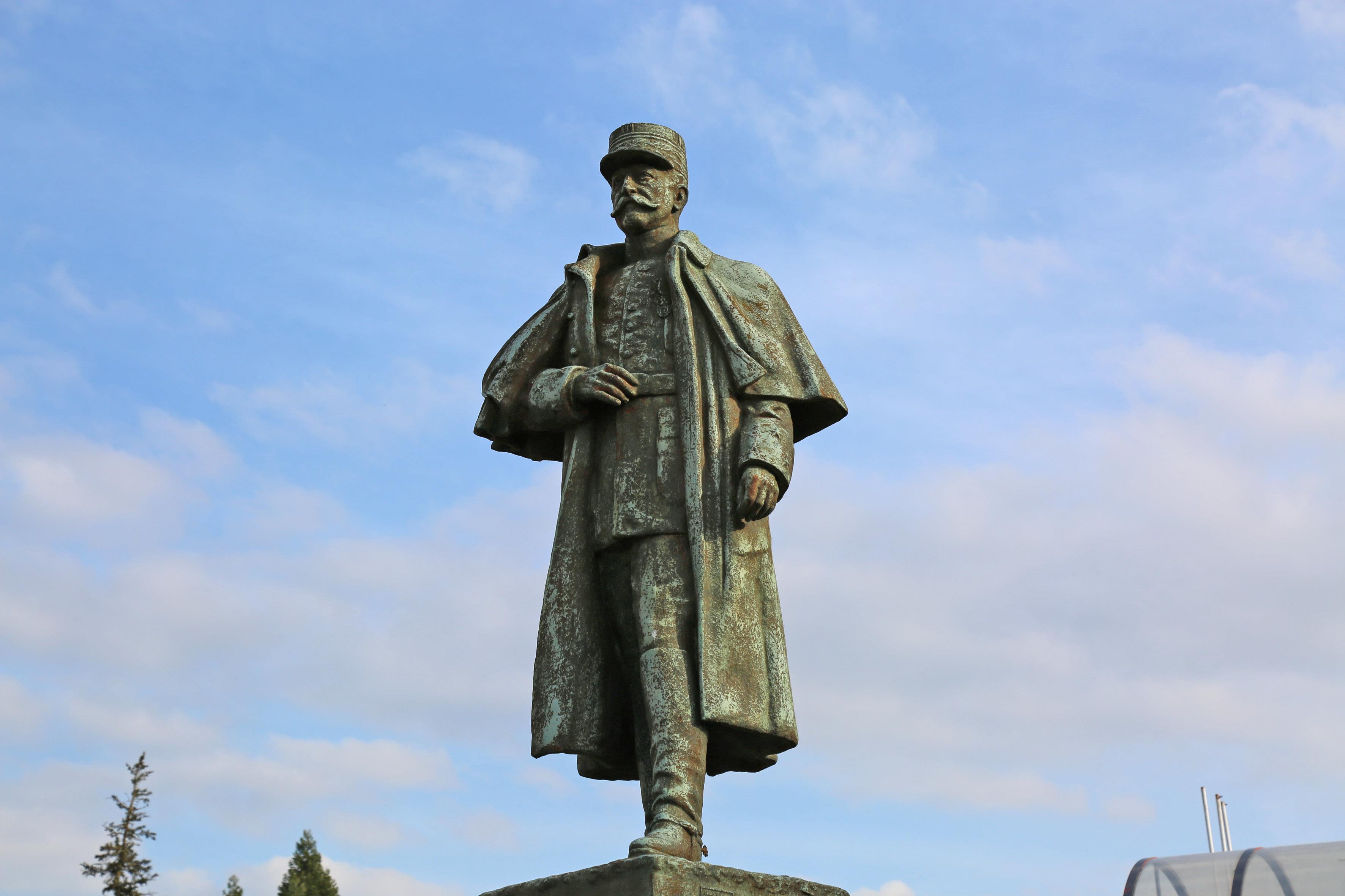 MONUMENT AU GÉNÉRAL SARRAIL