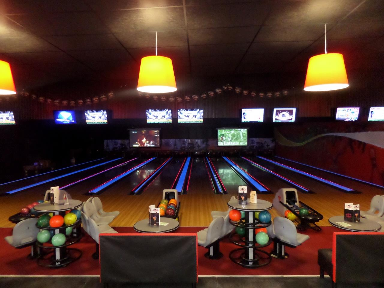 CITY BOWL - BAR / BOWLING & LASER GAME