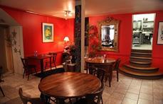 Mairie Vic sur seille. Café des Amis