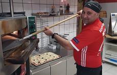 Latino's pizza Facebook