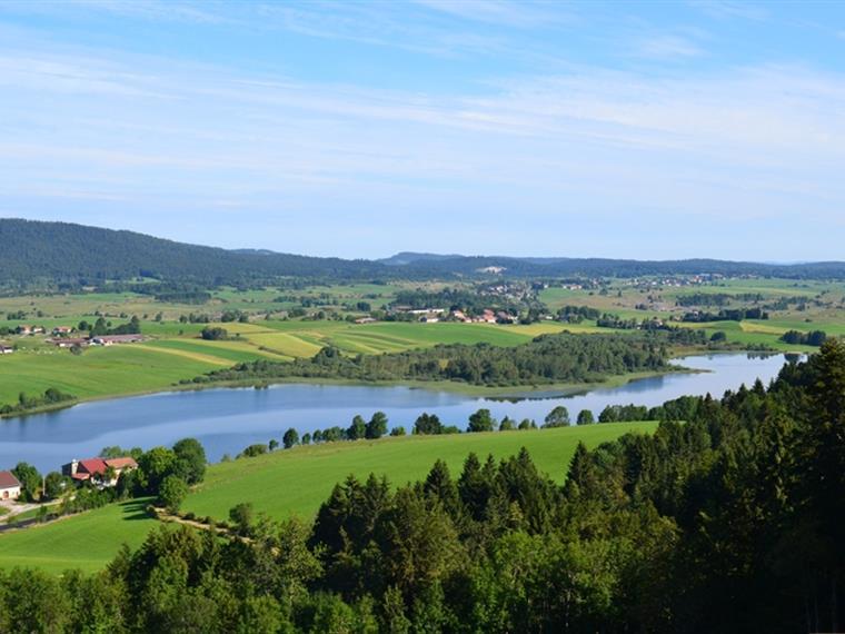 Le lac de l'Abbaye depuis le Belvédère du Moulin