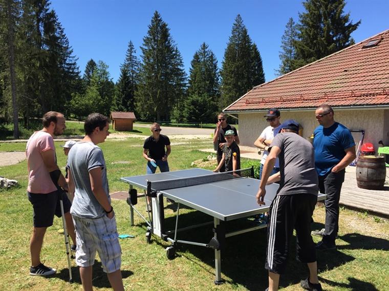 Table de ping-pong au Chalet du Bugnon